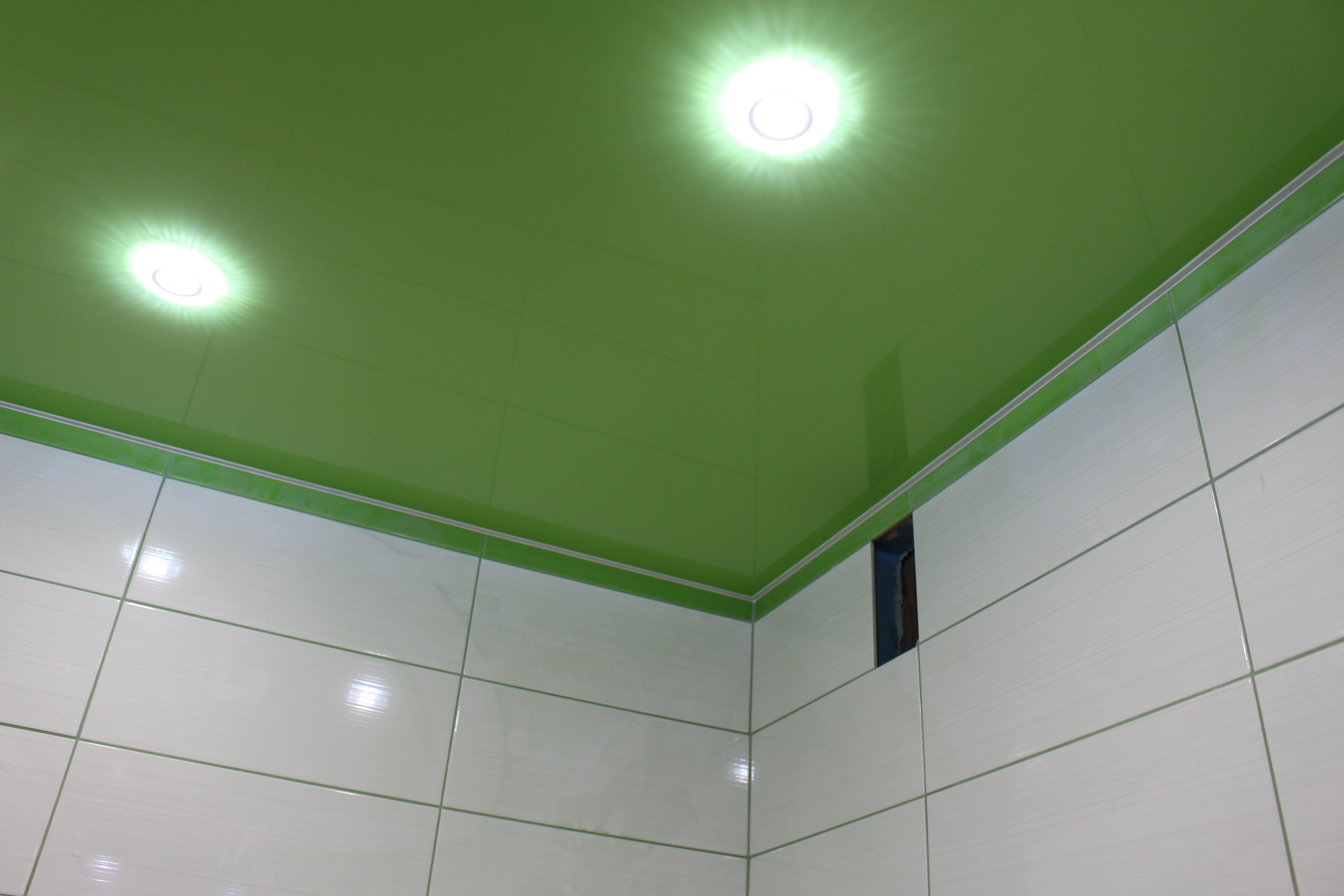 Sufity napinane do łazienki
