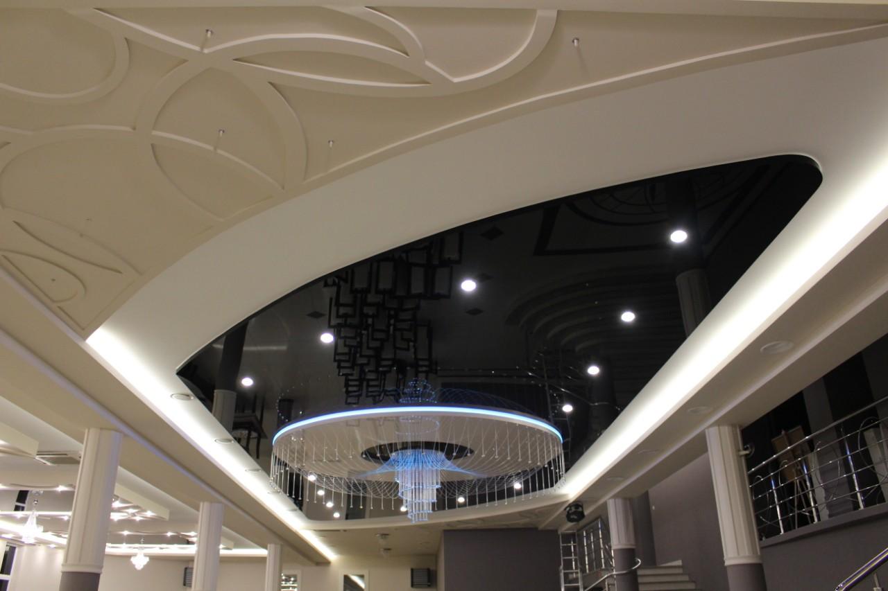 Sufit napinany podświetlany w sali bankietowej